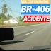 Carro colidiu com poste na rodovia BR-406