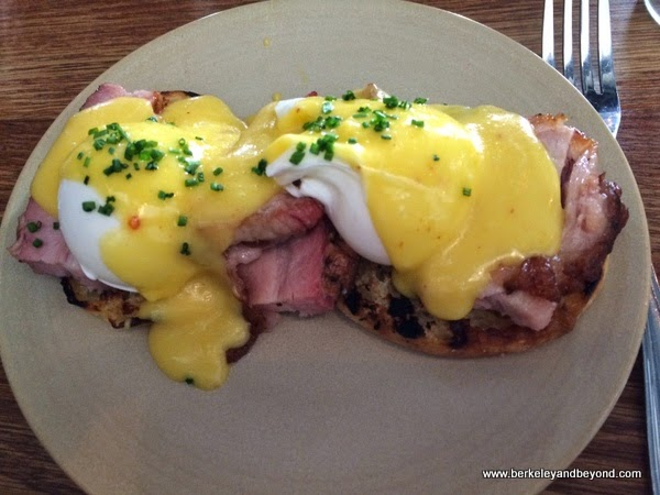 eggs Benedict at Townie restaurant in Berkeley, California