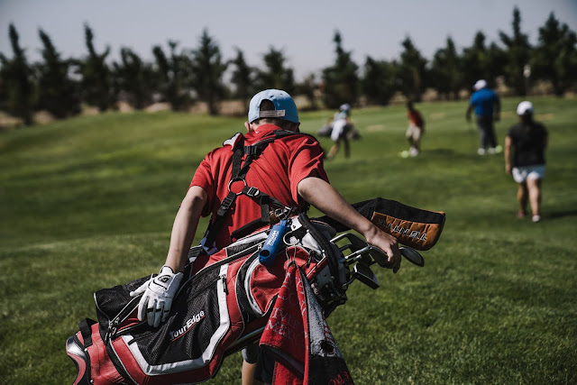 Golfers can carry no more than 14 clubs in their golf bag under the rules