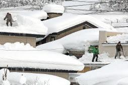 横手市除排雪態勢強化 除雪作業優先
