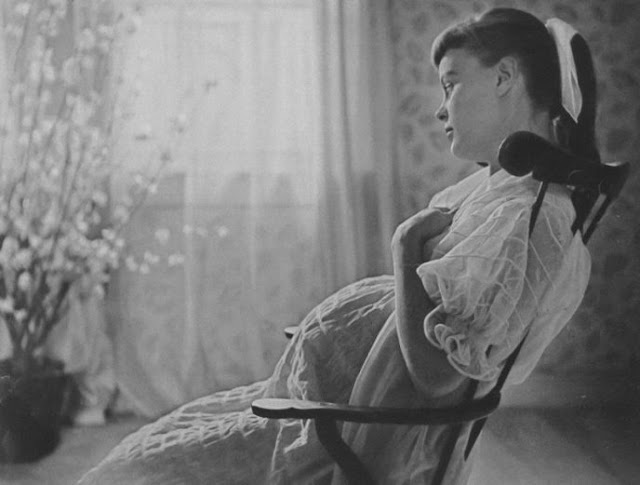 5 диких правил, которым должны были следовать беременные женщины прошлого