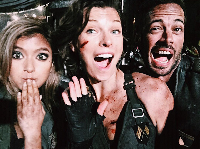 Milla Jovovich, Rola, şi William Levy pe platourile de filmare pentru Resident Evil: The Final Chapter