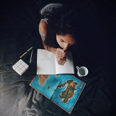 blog-aquecida-viajante-sonhadora-mudanca-buscando-novo-escritora-