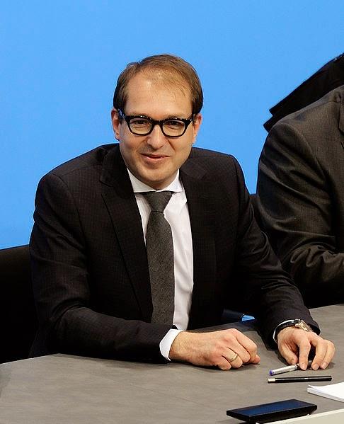 [Obrazek: 486px-Unterzeichnung_des_Koalitionsvertr...h)_104.jpg]
