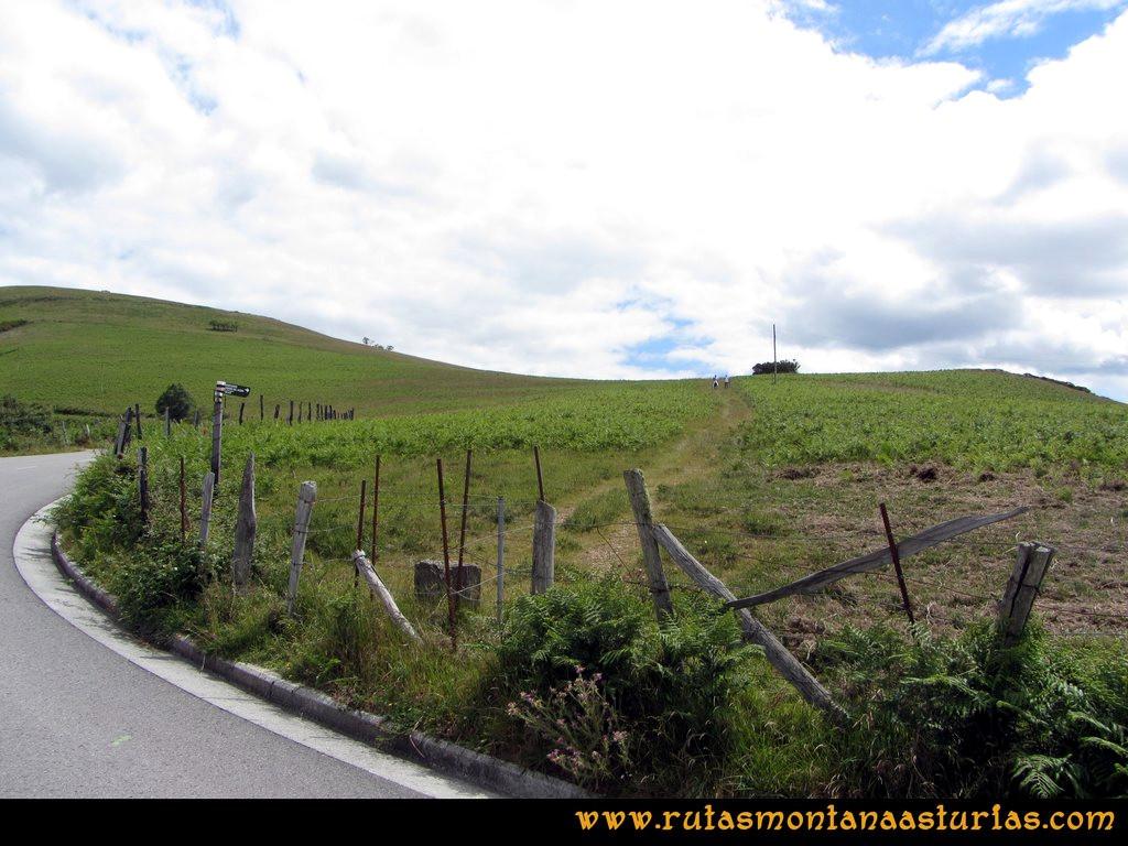 Ruta Cangas - Acebo: Desvío para peatones subiendo el alto del Acebo