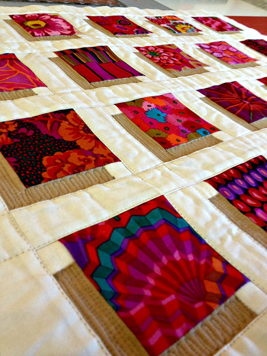 How To Make A Shadow Block Mini Quilt by Debora of Studio Dragonfly
