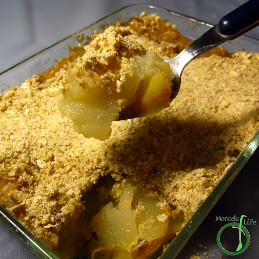 Morsels of Life - Baked Pears with Ginger Crumble - Pears topped with a warm, gingery oatmeal crumble, then baked to perfection - a simple and flavorful alternative to the traditional apple crumble.