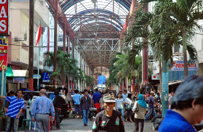 Surga Dunianya Belanja Wanita di Pasar Baru Jakarta