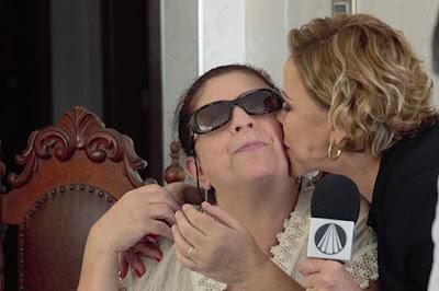 Visita surpresa: Claudete vai à casa de Elisabethe, fã da apresentadora - Foto: Divulgação TV Aparecida