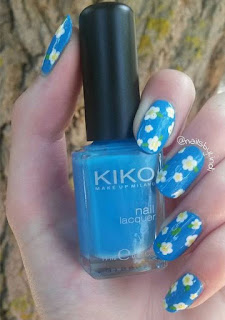 Glitter Blue Nail Designs