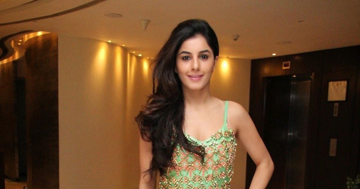 Isha Talwar Latest Photos: Actress Isha Talwar Latest Hot Photos 2014