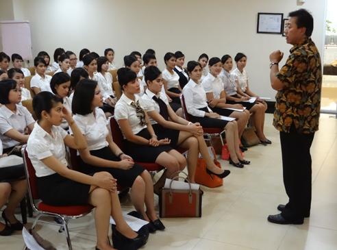 Training Pramugari Garuda Indonesia