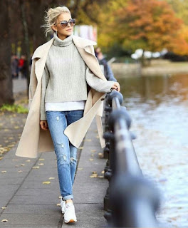 "<img alt=""see more women winter outfit"">"