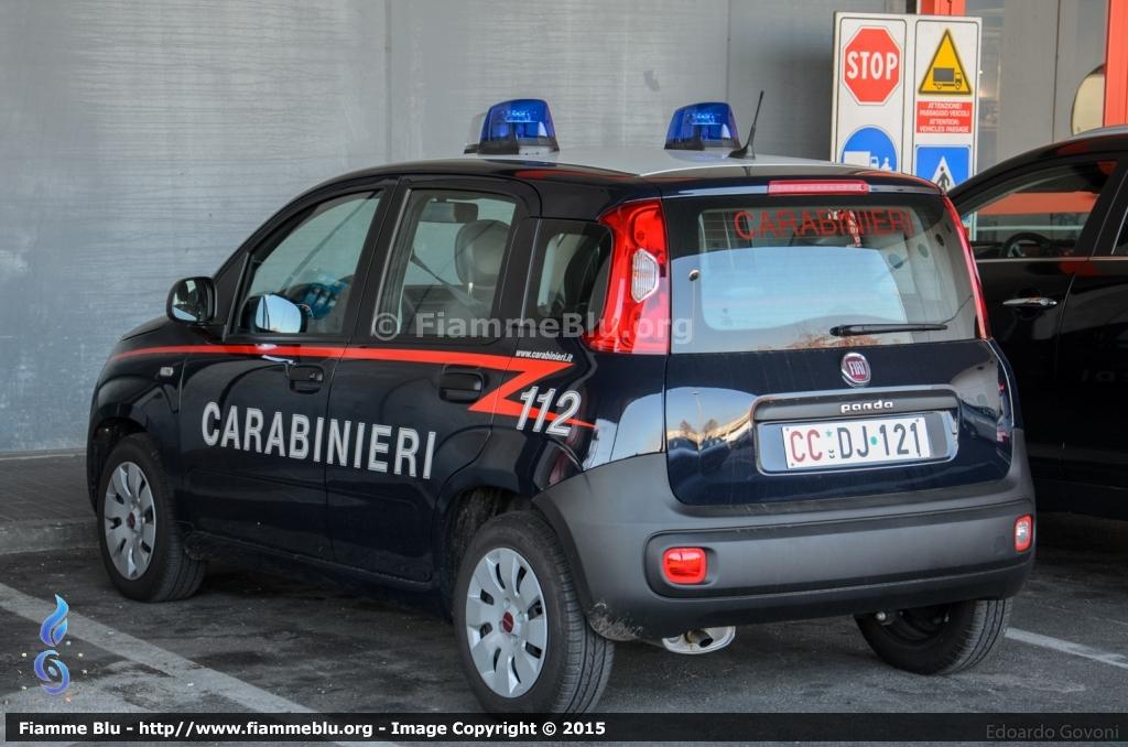 le informazioni su alfa romeo giulietta carabinieri pronto intervento. Black Bedroom Furniture Sets. Home Design Ideas