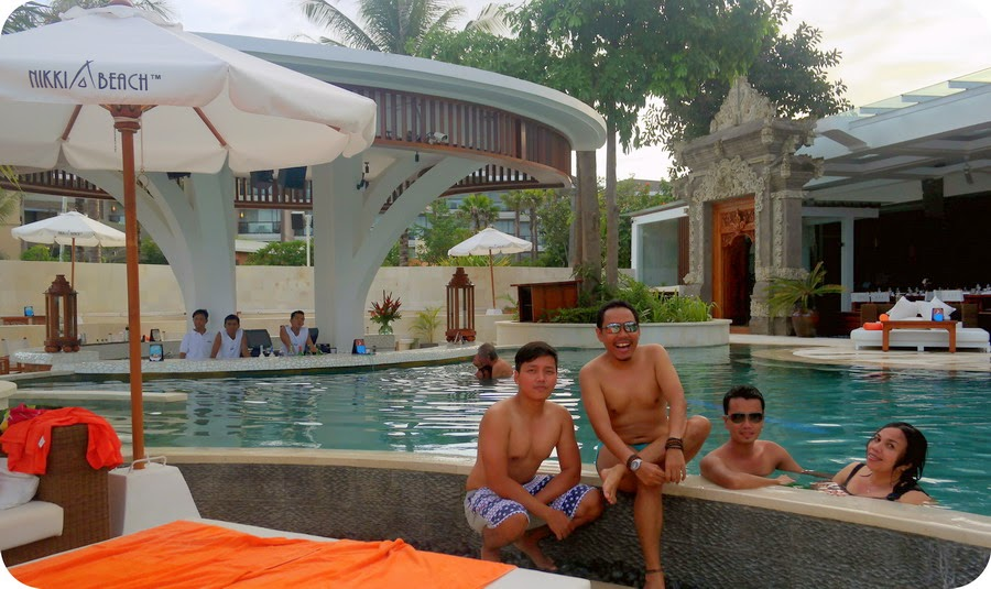 Berenang Party di Nikki Beach bali