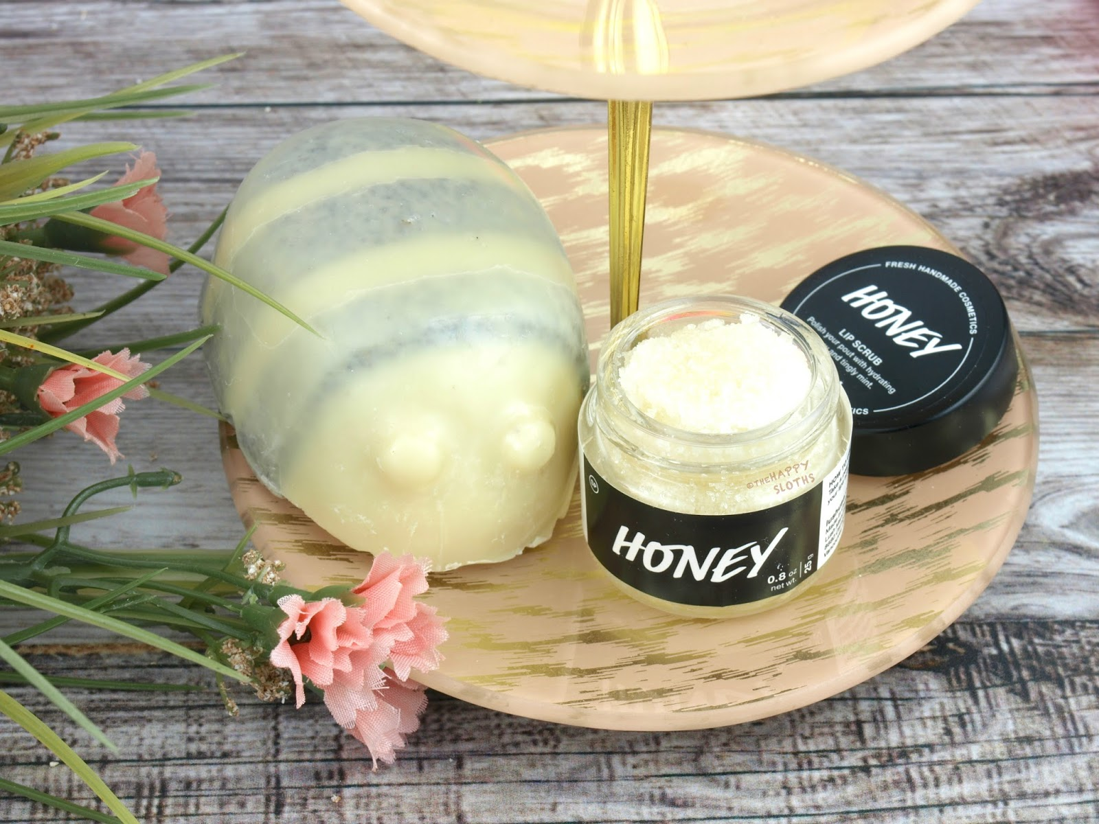 Lush Mother's Day 2017 Gift Guide | Scrubee Honey | Lip Scrub