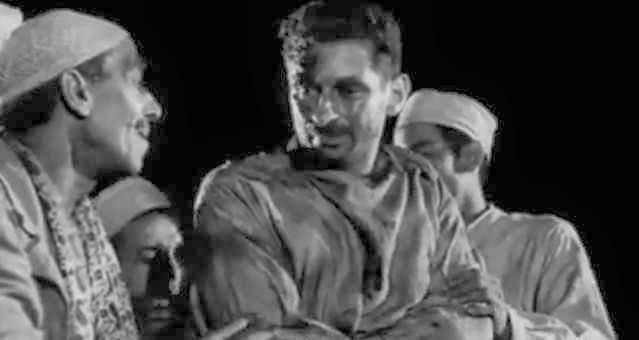 الشيخ المنافق حسن البارودي أصيب بالعمى وساعدته أم كلثوم