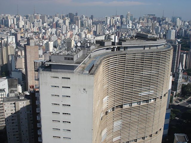 O Vidente Carlinhos faz revelação que 100 prédio