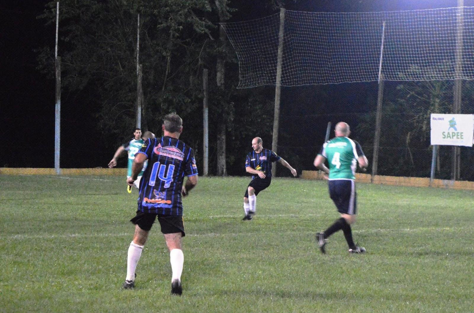 Municipal de futebol suíço de Águas Frias teve jogos ontem e terá rodada  sábado (15) 26428c28de2b7