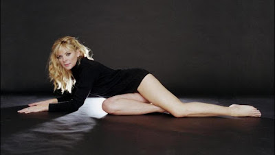 Free Download English-Canadian actress Kim Cattrall new images and photos gallery.