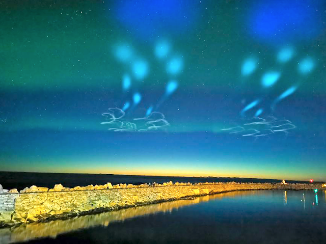 Update: Web Cam records an extraordinary sighting of a fleet of UFOs on Abisko Ovni%252C%2Bomni%252C%2BMUFON%252C%2B%25E7%259B%25AE%25E6%2592%2583%25E3%2580%2581%25E3%2582%25A8%25E3%2582%25A4%25E3%2583%25AA%25E3%2582%25A2%25E3%2583%25B3%252C%2B%2BUFO%252C%2BUFOs%252C%2Bsighting%252C%2Bsightings%252C%2Balien%252C%2Baliens%252C%2BET%252C%2Banomaly%252C%2Banomalies%252C%2Bancient%252C%2Barchaeology%252C%2Bastrobiology%252C%2Bpaleontology%252C%2Bwaarneming%252C%2Bvreemdelinge%252C%2Bstrange%252C%2Bhackers%252C%2Barea%2B51%252C%2BSweden%252C%2Baurora%252C%2B6
