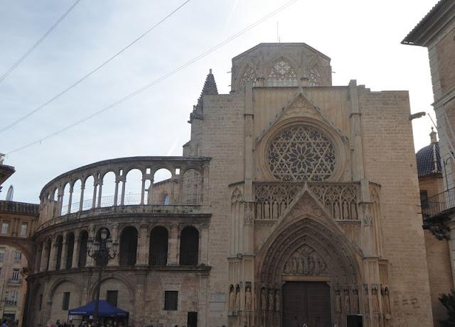Puerta de los Apóstoles nella cattedrale di valencia