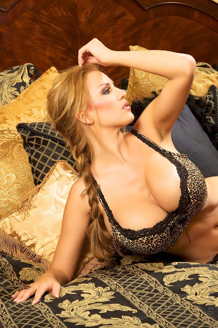 Jordan-Carver-Wild-Things-hot-sexy-hd-pic-3