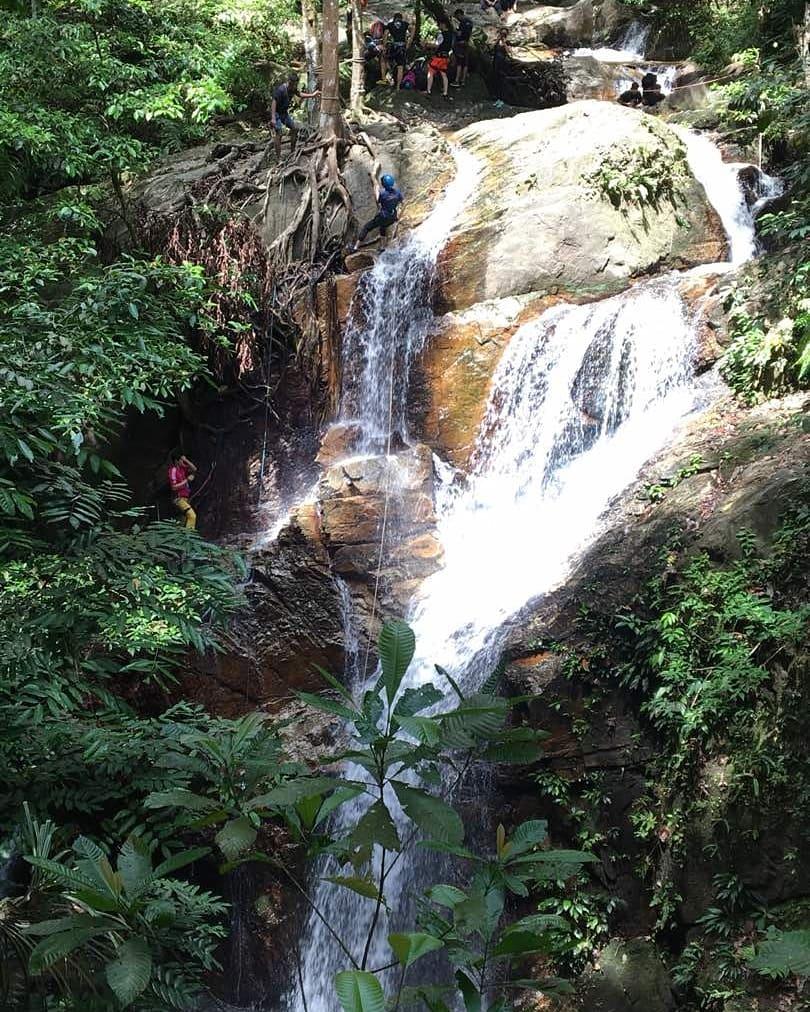 Waterfall abseiling in Malaysia - Ummi Goes Where?