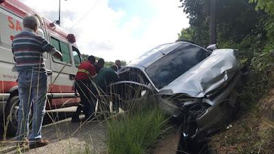 Em João Pessoa, motorista perde o controle de veículo e atinge 4 carros
