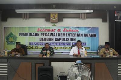 Kemenag Tanjungbalai Adakan Pembinaan Pegawai Tentang Kesadaran Hukum