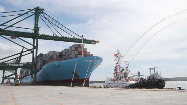 Vai trò dịch vụ xuất nhập khẩu đối với doanh nghiệp trong lưu thông hàng hóa.