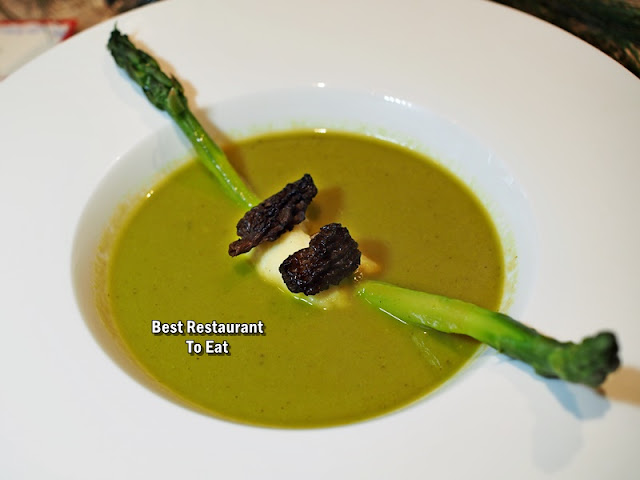 Asparagus Soup With Black Morel Mushroom and Truffle Oil