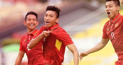 AFF Cup 2018 dành sự quan tâm đặc biệt cho cầu thủ Đoàn Văn Hậu.