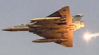 indian-jet-droup-four-bomb-pak-army