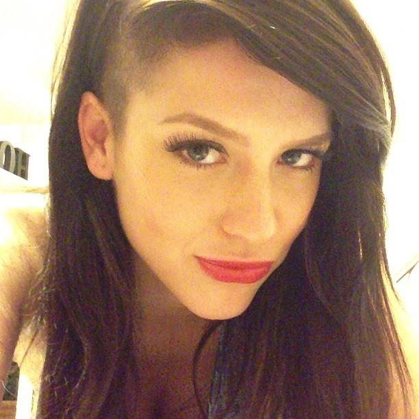 Conheça o novo look de Sophia Abrahão