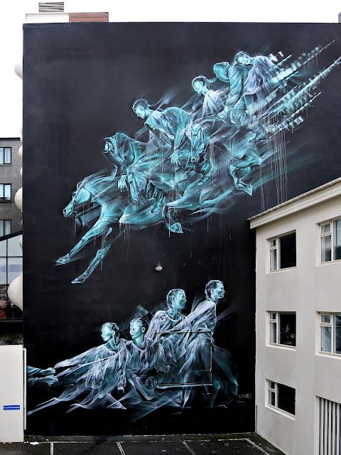 Mural en la calle en un edificio