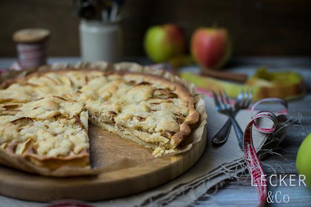 Apfel, Kuchen, Streuselkuchen, Marzipan, Zimt, Apfel-Streusel-Kuchen, Apfelkuchen Rezept, TIna Kollmann, LECKER&Co, leckerundco, lecker co, lecker, kuchen lecker, kuchen rezept, apfelkuchen rezept, zimt-marzipan, mürbteig, streusel