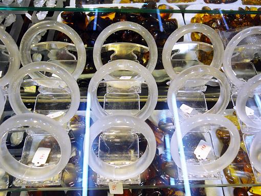white jade jewelry bangles