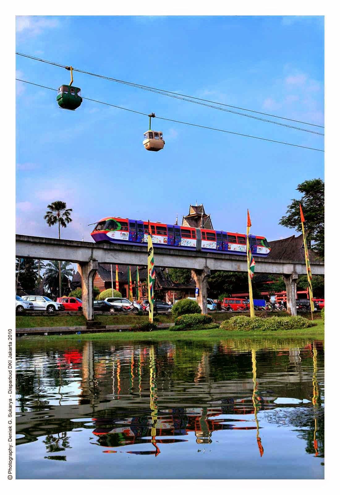 Wahana Sky Trains and Cable Cars Taman Mini Indonesia Indah (TMII), Jakarta