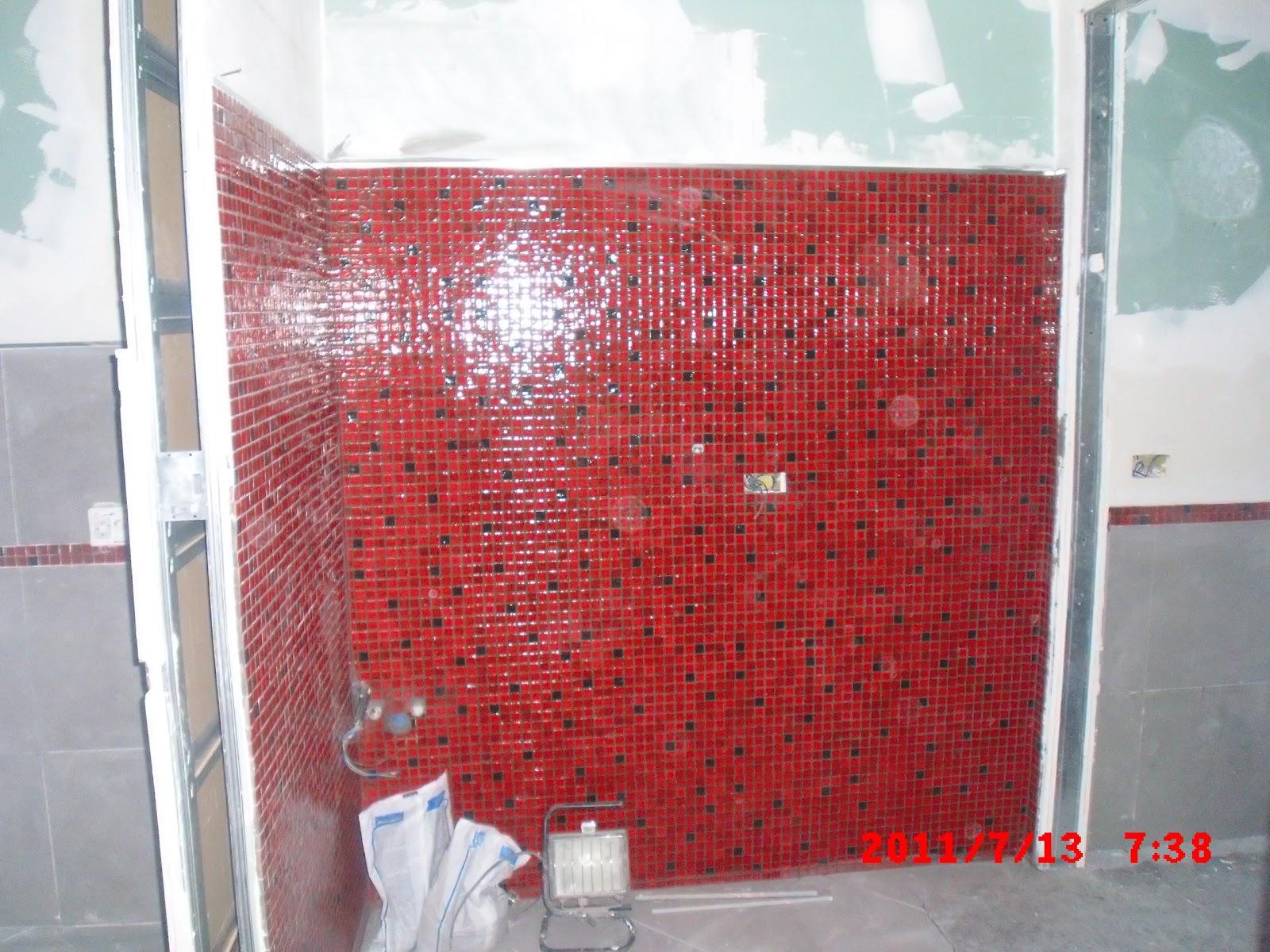 Piastrellazione bagno curata dal geometra luciano trotta - Piastrelle bagno rosse ...
