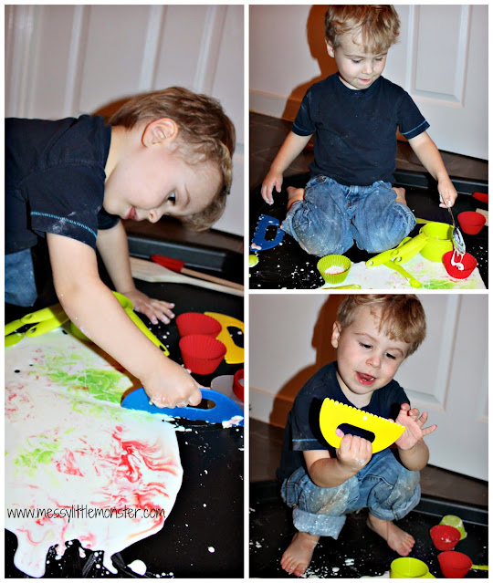 How to make gloop (also known as goop, oobleck or slime) and play with it on a tuff tray.  a great sensory play idea for toddlers and preschoolers.
