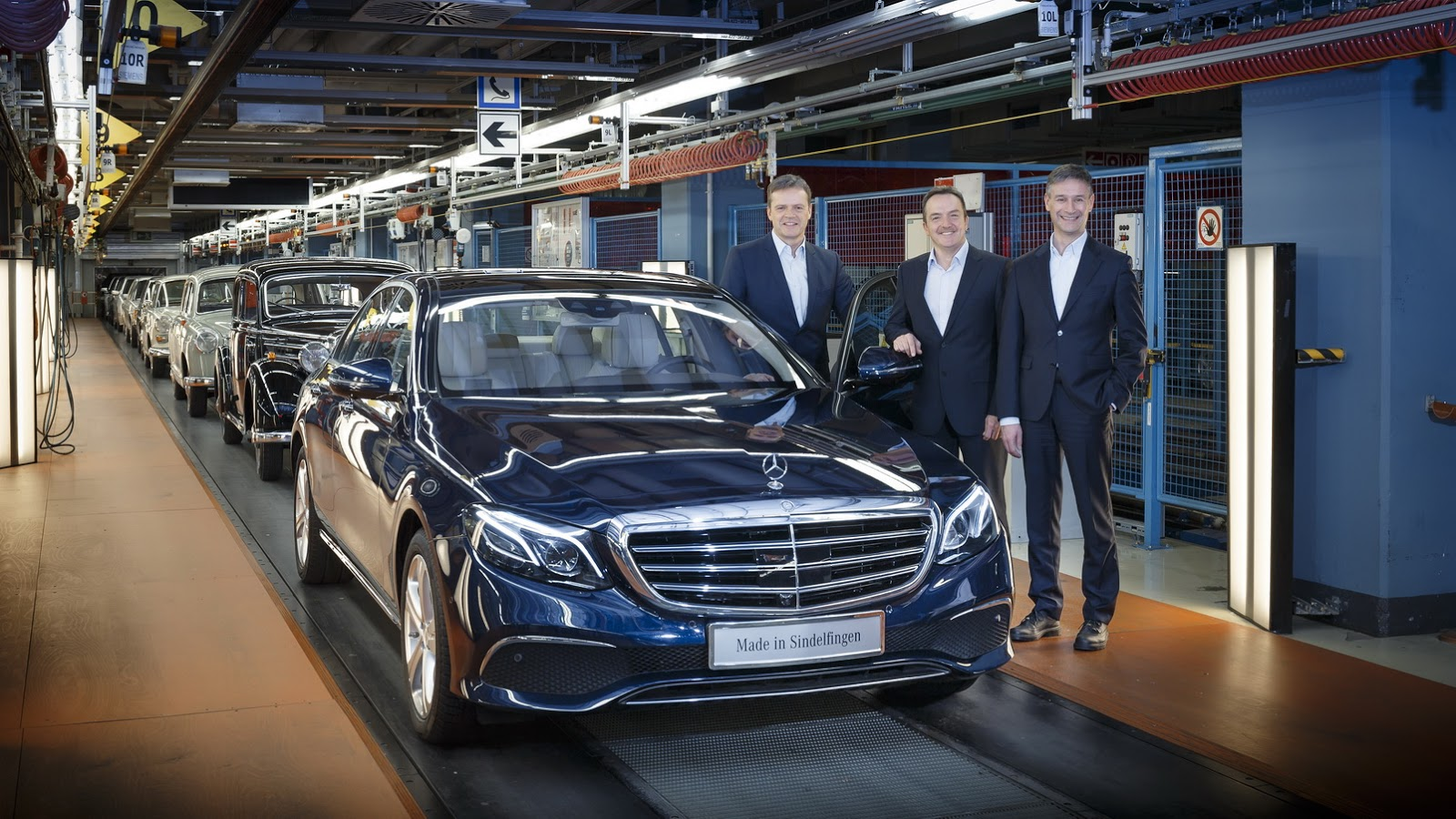 Mercedes-Benz E-Class 2017 sẽ là đối thủ của 5 Series của BMW và A6 của Audi