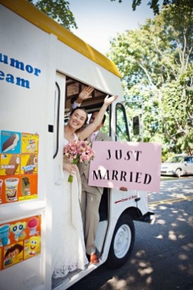 Food Trucks And Ice Cream Truck Catering Have Been A Favorite Lunchtime Late Night Option They Re Also Super Por Wedding Trend