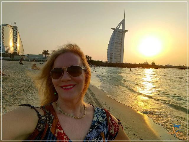 Praia de Jumeirah Beach e o Burj al Arab