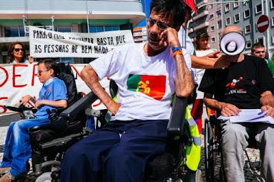 https://www.publico.pt/2017/05/11/sociedade/noticia/eduardo-jorge-tetraplegico-entregase-aos-cuidados-de-marcelo-e-costa-1771497