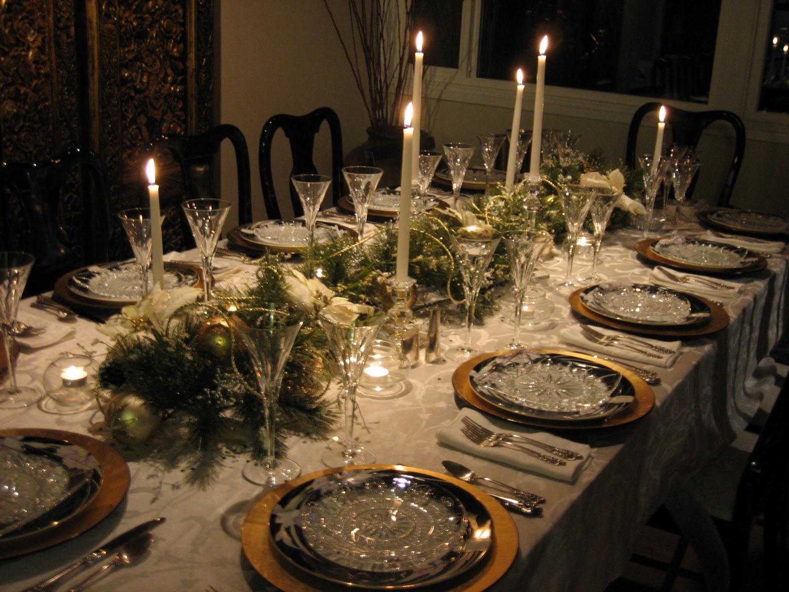 Christmas Village Fun Blog: Decorating The Christmas Table