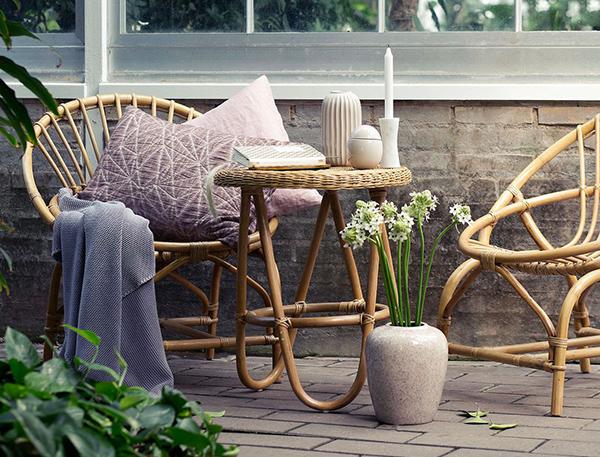 Sedie e tavolo da giardino