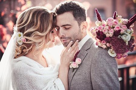 Sweet Romantic Wedding Couple Picture
