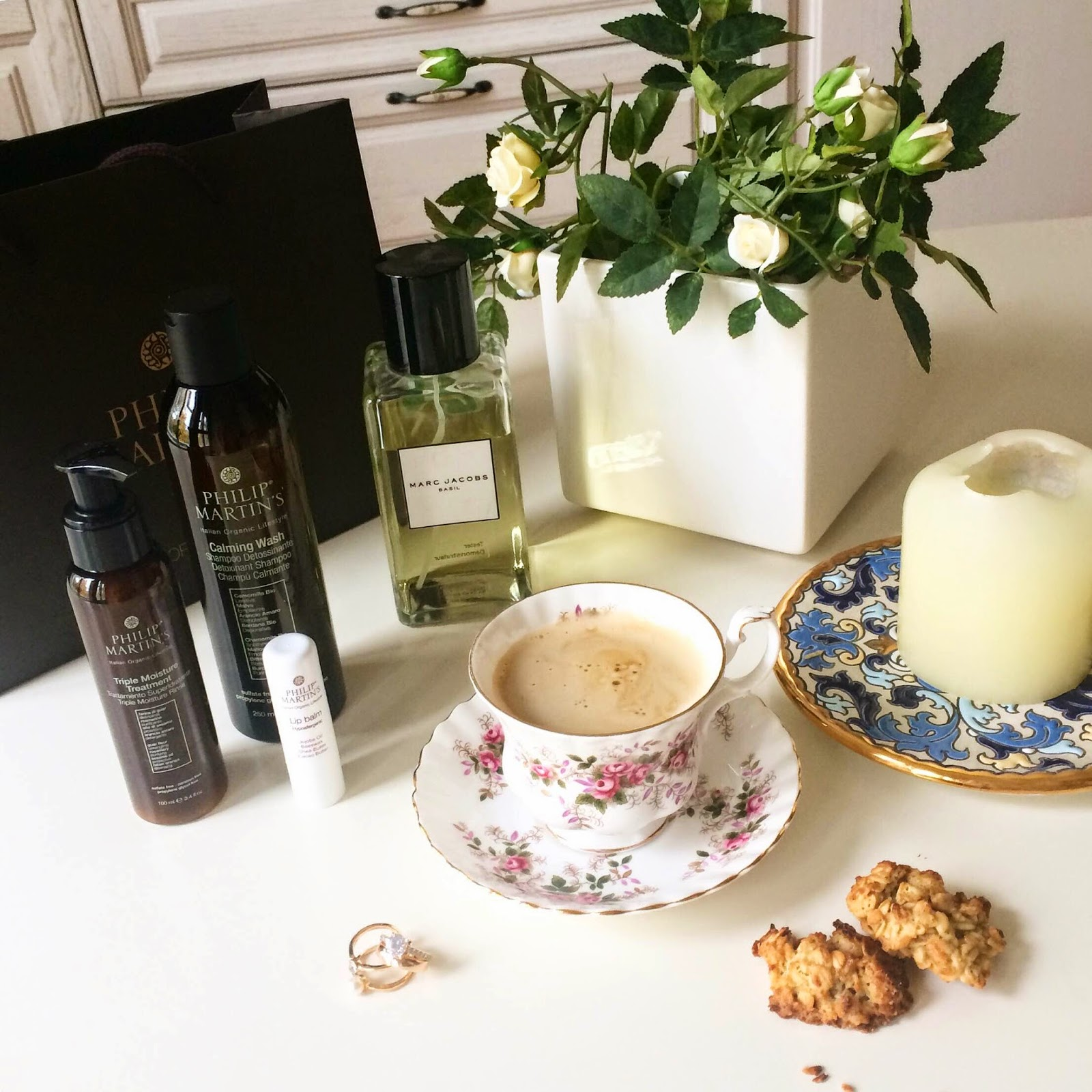 philip-martins-haircare-marc-jacobs-parfume-espresso-cofee-table