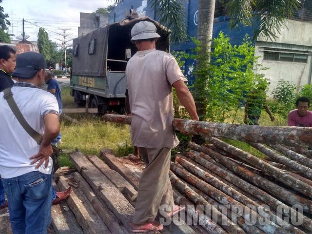 Ratusan Batang Kayu Bakau Diamankan Polres, Hasil Hutan Mangrove